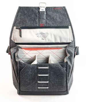Peak Design Everyday Messenger Bag Charcoal Small 1
