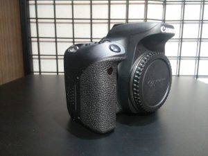 (Used) Canon EOS 77D Body Only1